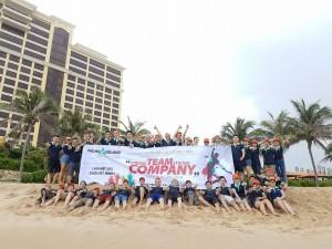 Teambuilding bùng nổ tại bãi biển xinh đẹp